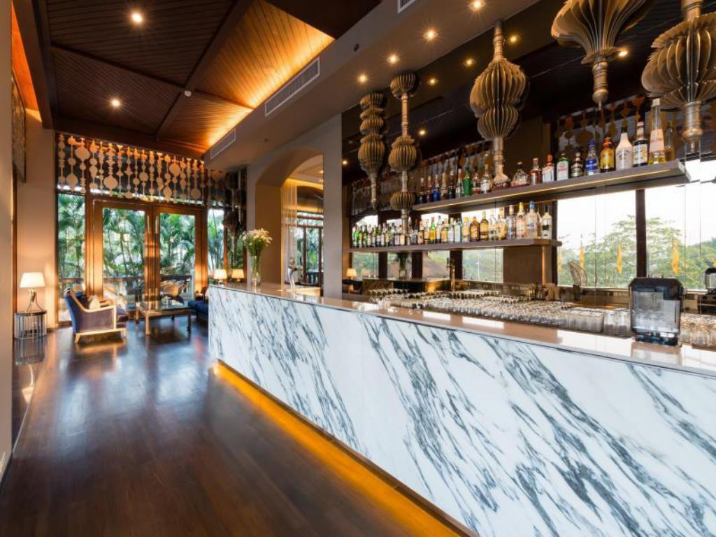 Best price on chatrium hotel royal lake yangon in yangon for Design hotel yangon