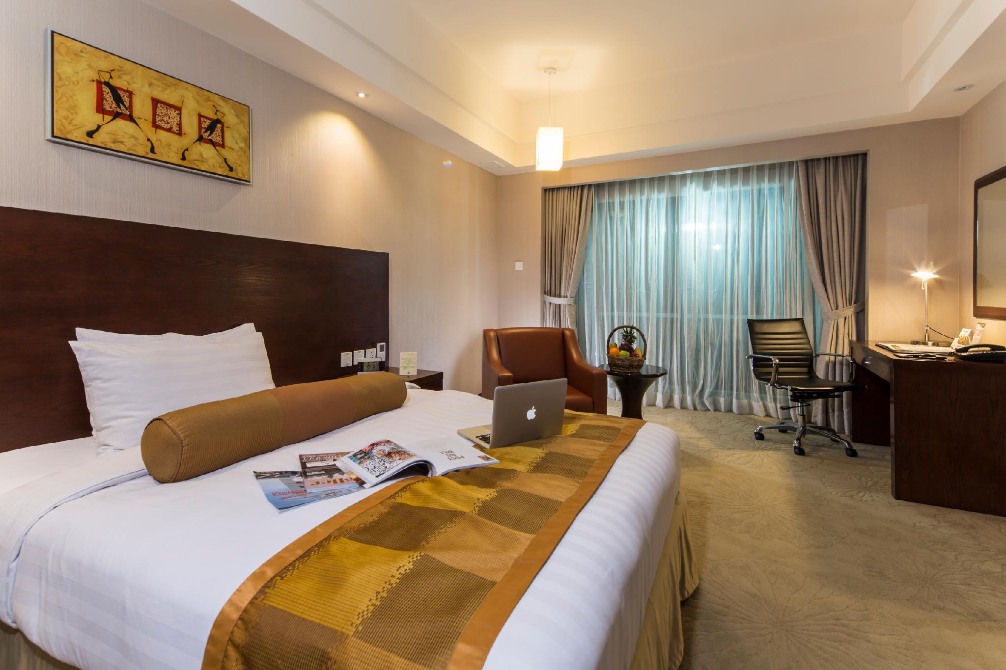 Widus Hotel and Casino, Mabalacat