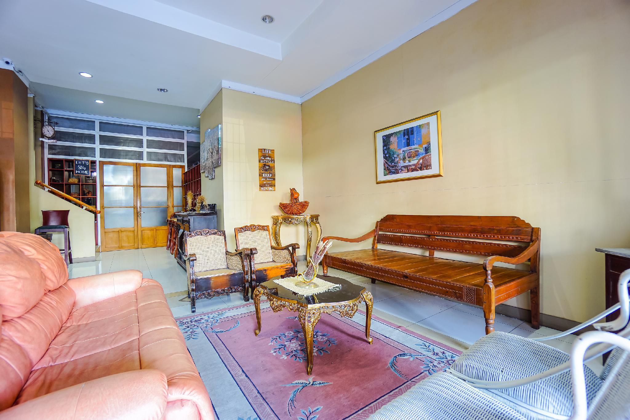 OYO 1429 Bastiana Residence