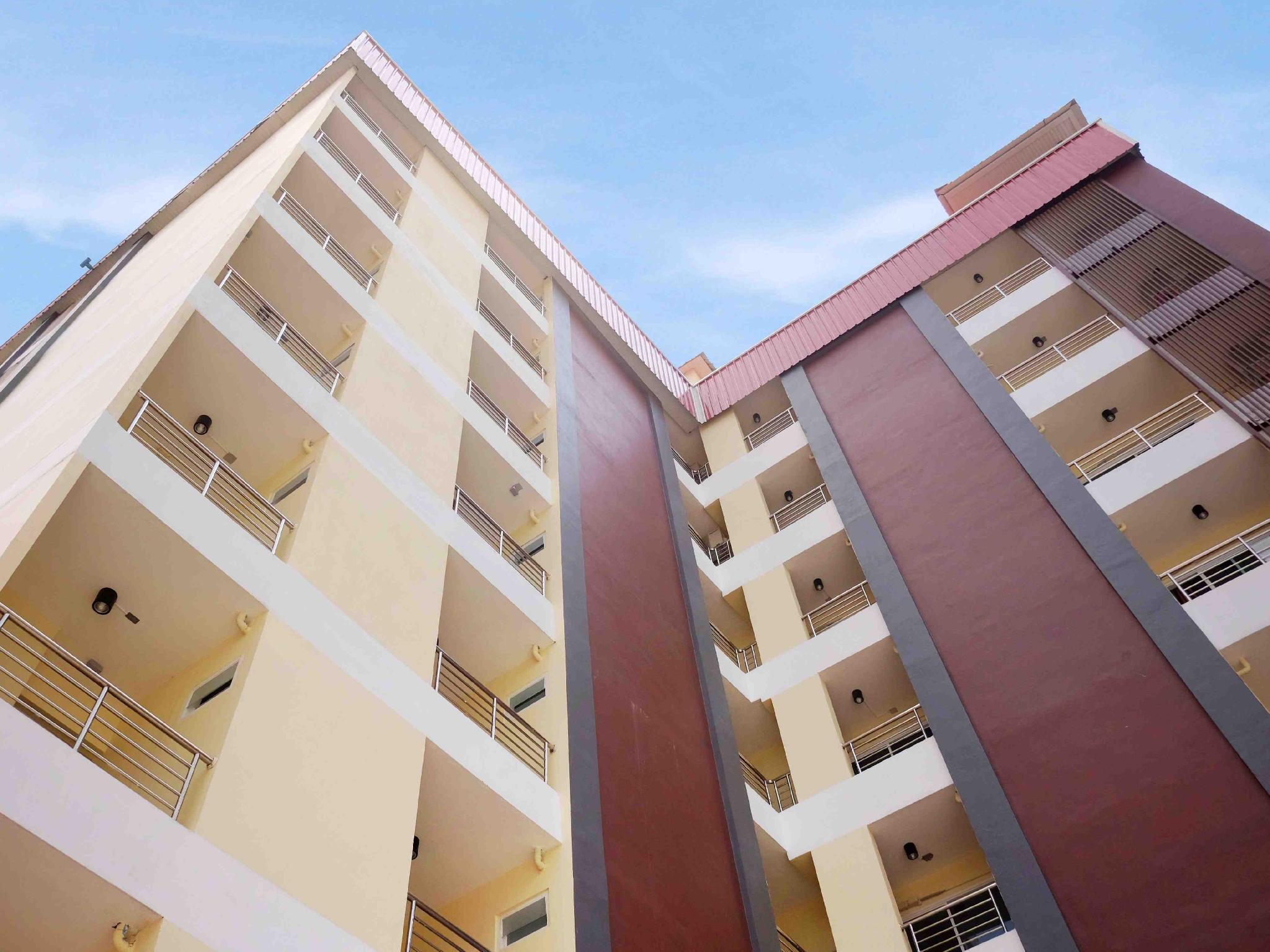 42 Place Service Apartment, Prawet