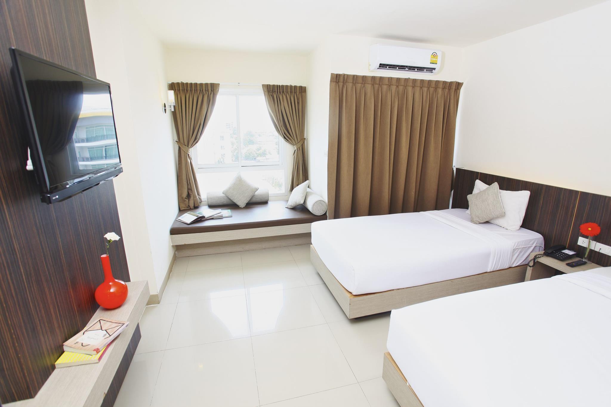 Lee Nova Hotel, Prawet