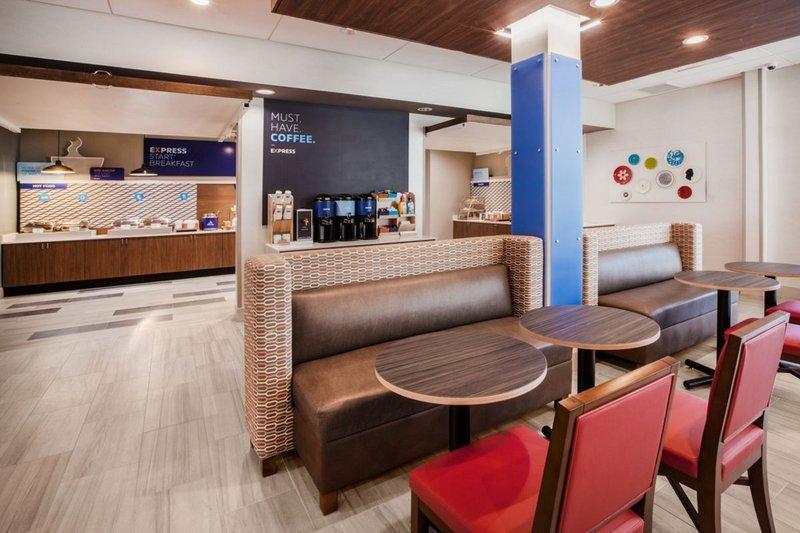 Holiday Inn Express Jacksonville South Bartram Prk