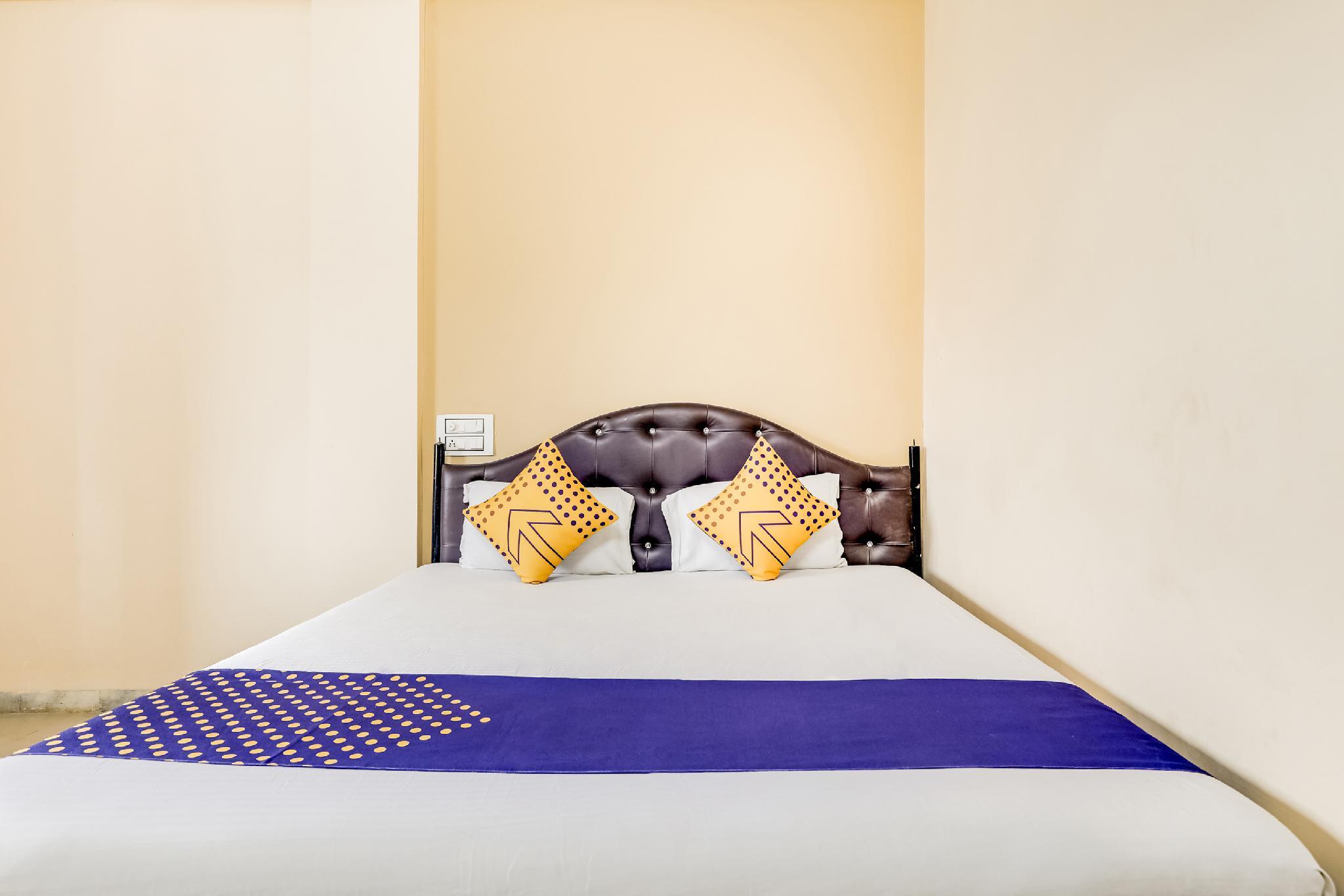 SPOT ON 64003 Hotel Sanpark, Kushinagar