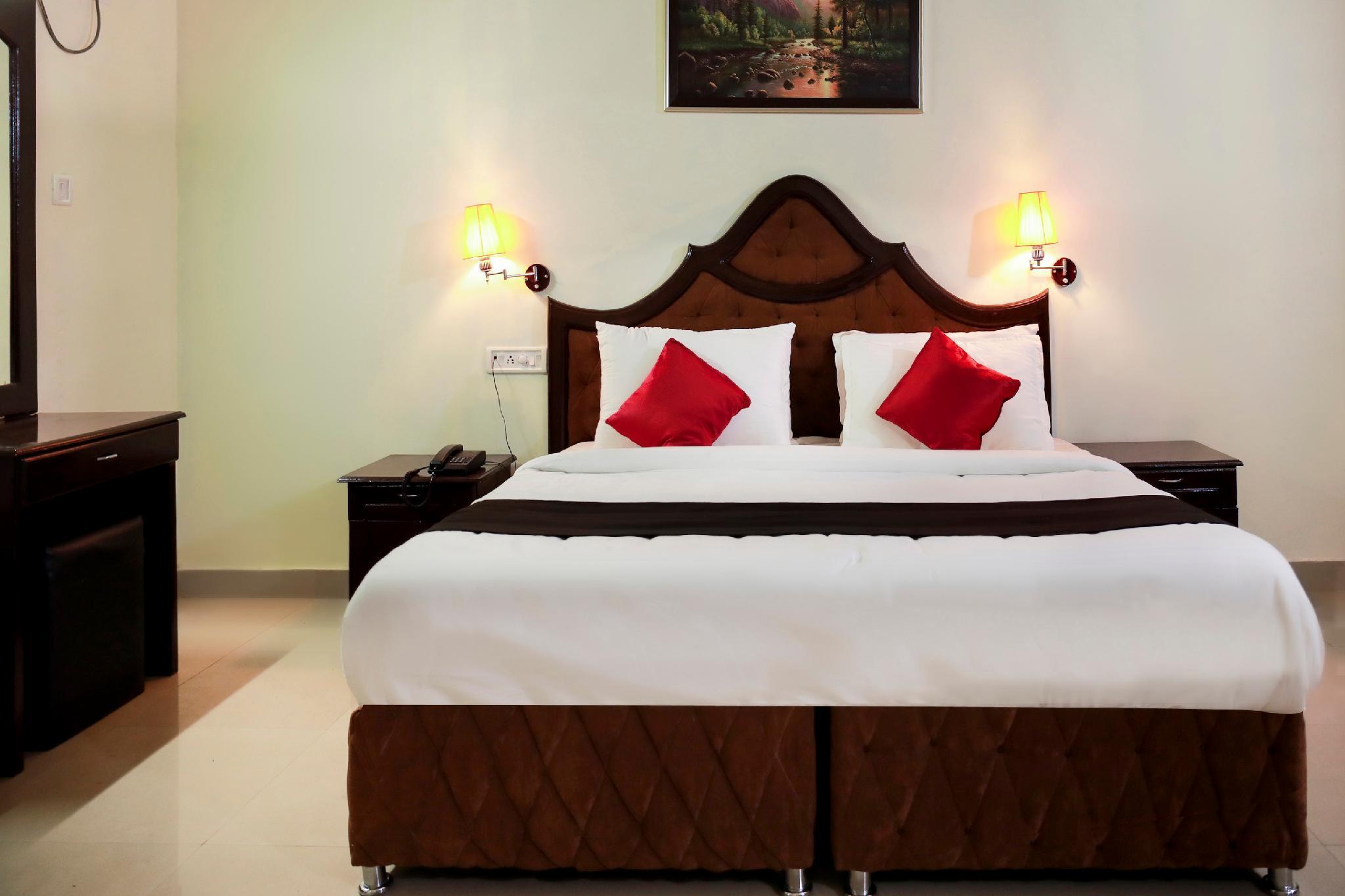 Capital O 48923 Mangalath Hotel, Kollam