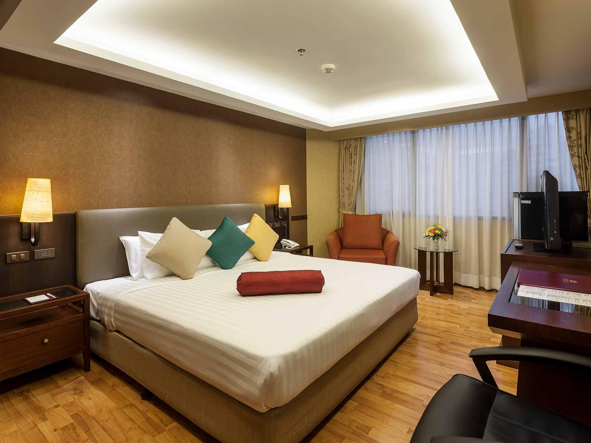 Rembrandt Hotel Suites and Towers, Wattana