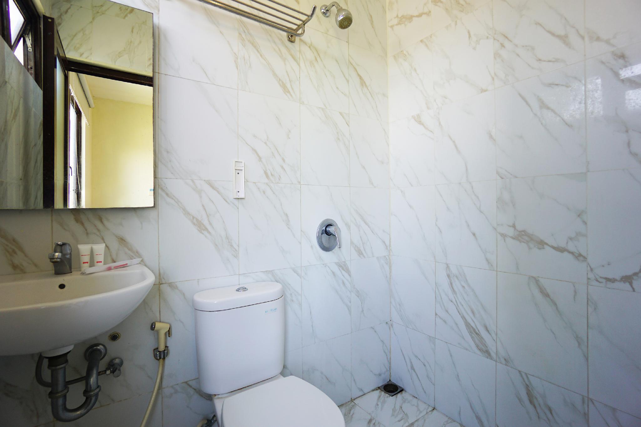 OYO 1993 Hotel D'kanaka Riverview