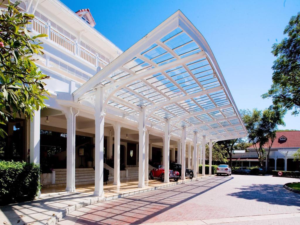 Best price on centara grand beach resort villas hua hin for 8 villas hua hin