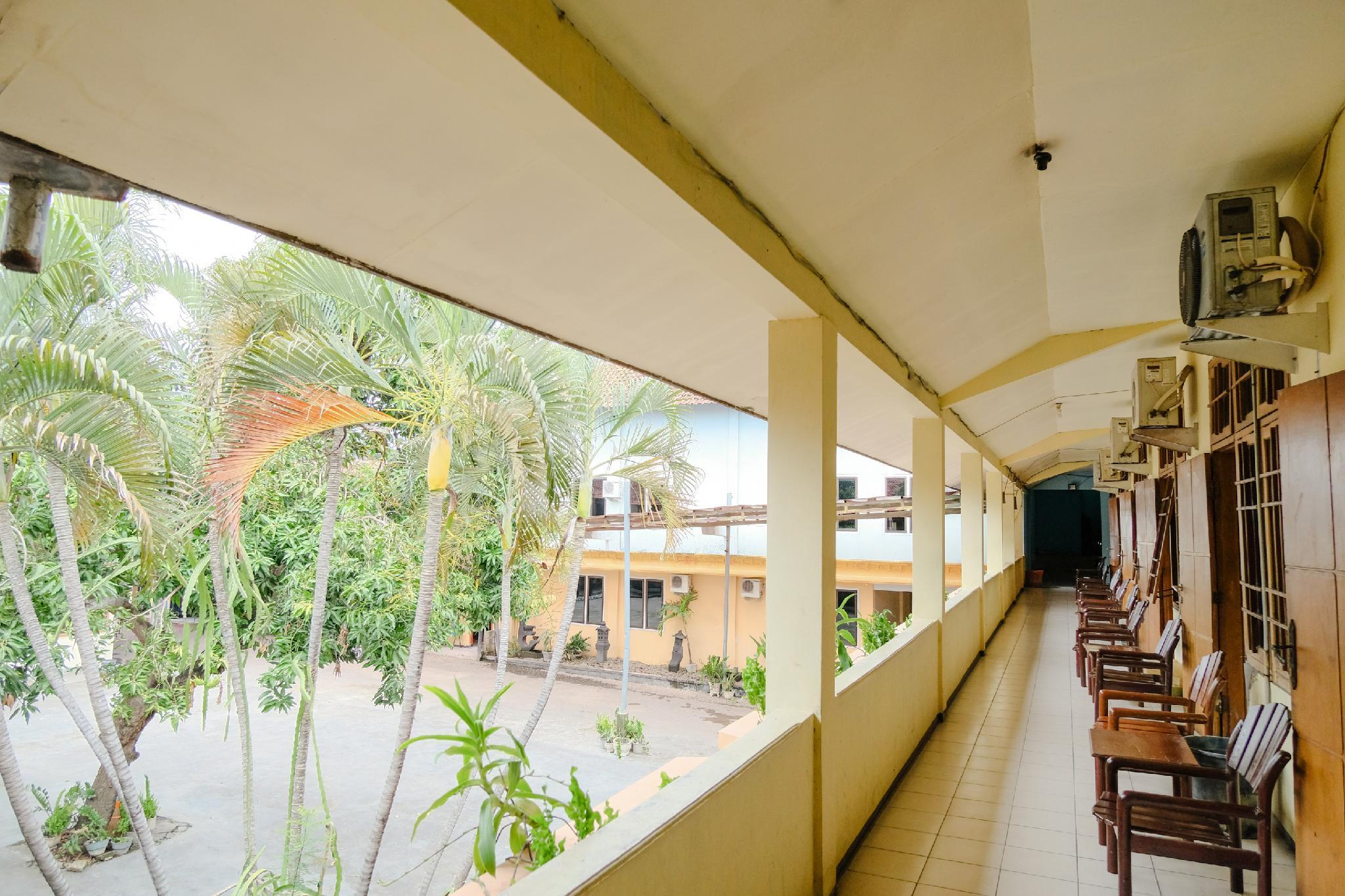OYO 1984 Hotel Istana Family, Nganjuk