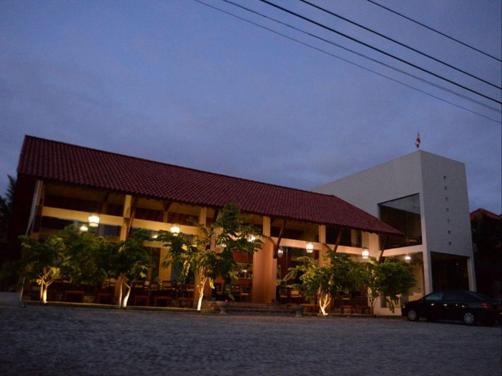 Best Price On Hotel Sinharagama Resort And Spa In