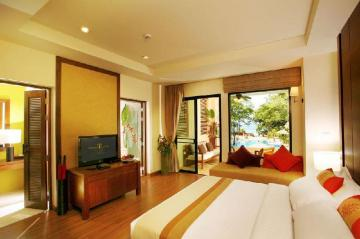 Crown Lanta Resort and Spa is a beautiful accommodation in Koh Lanta.