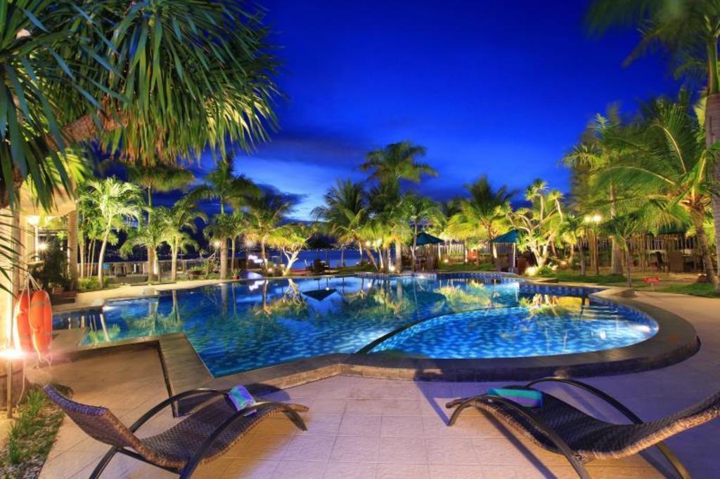 Palu Hotels