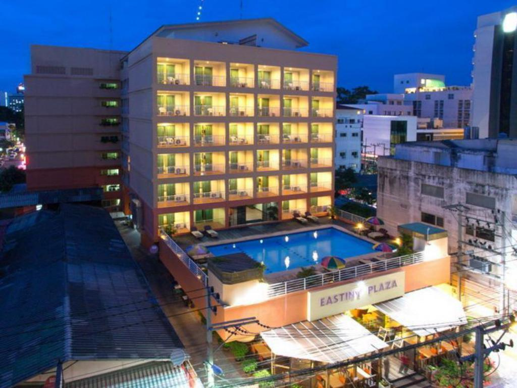 Best price on eastiny plaza hotel in pattaya reviews for Plaza hotel