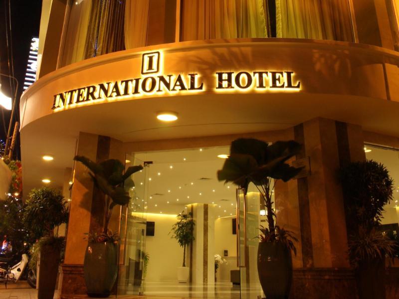 Khách sạn International