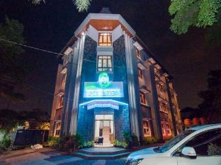 Corsica Hotel, Bandung