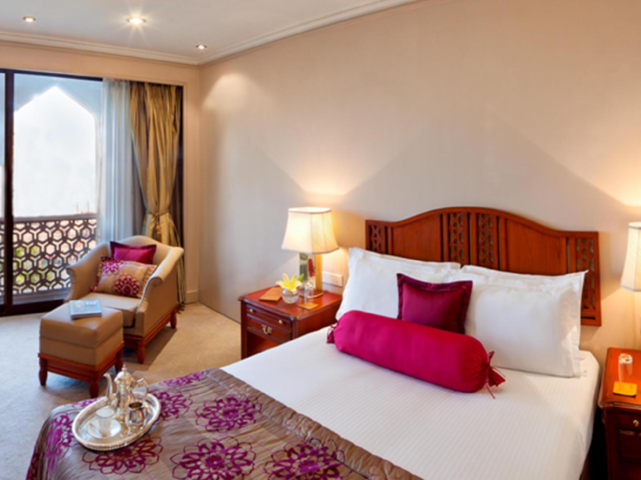 Taj Club Room King Bed Sea View Palace Wing