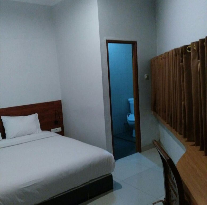 7 Dream Hotel