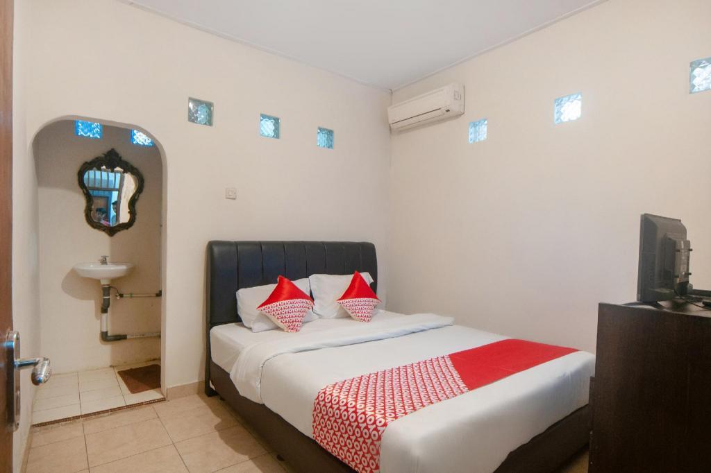 OYO 2256 Danysa Guesthouse
