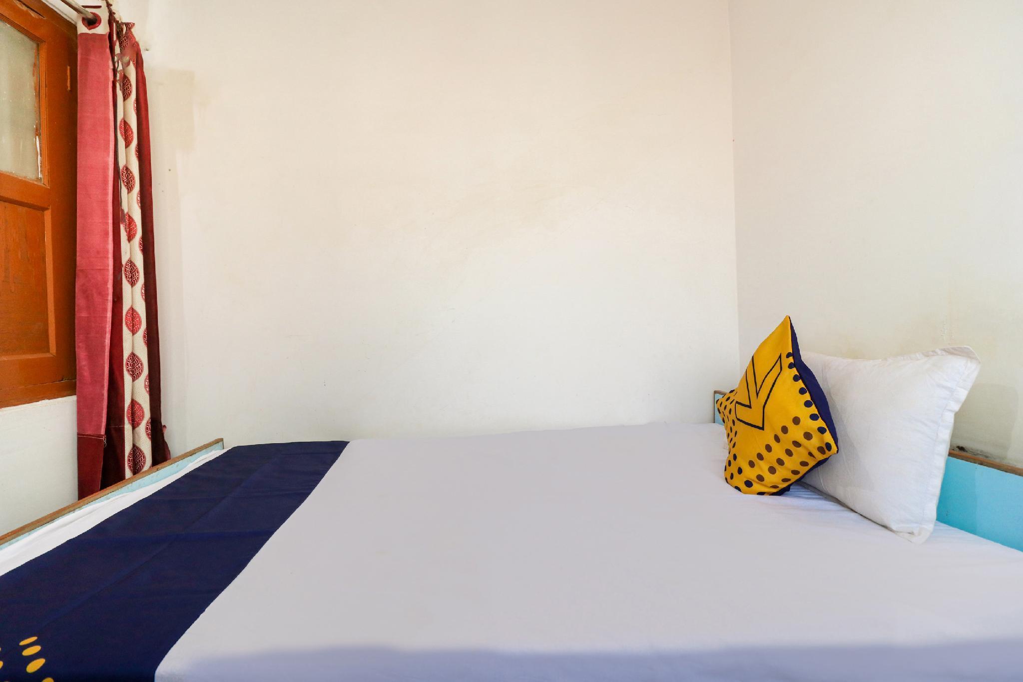 SPOT ON 49789 Hotel Radiant, Azamgarh