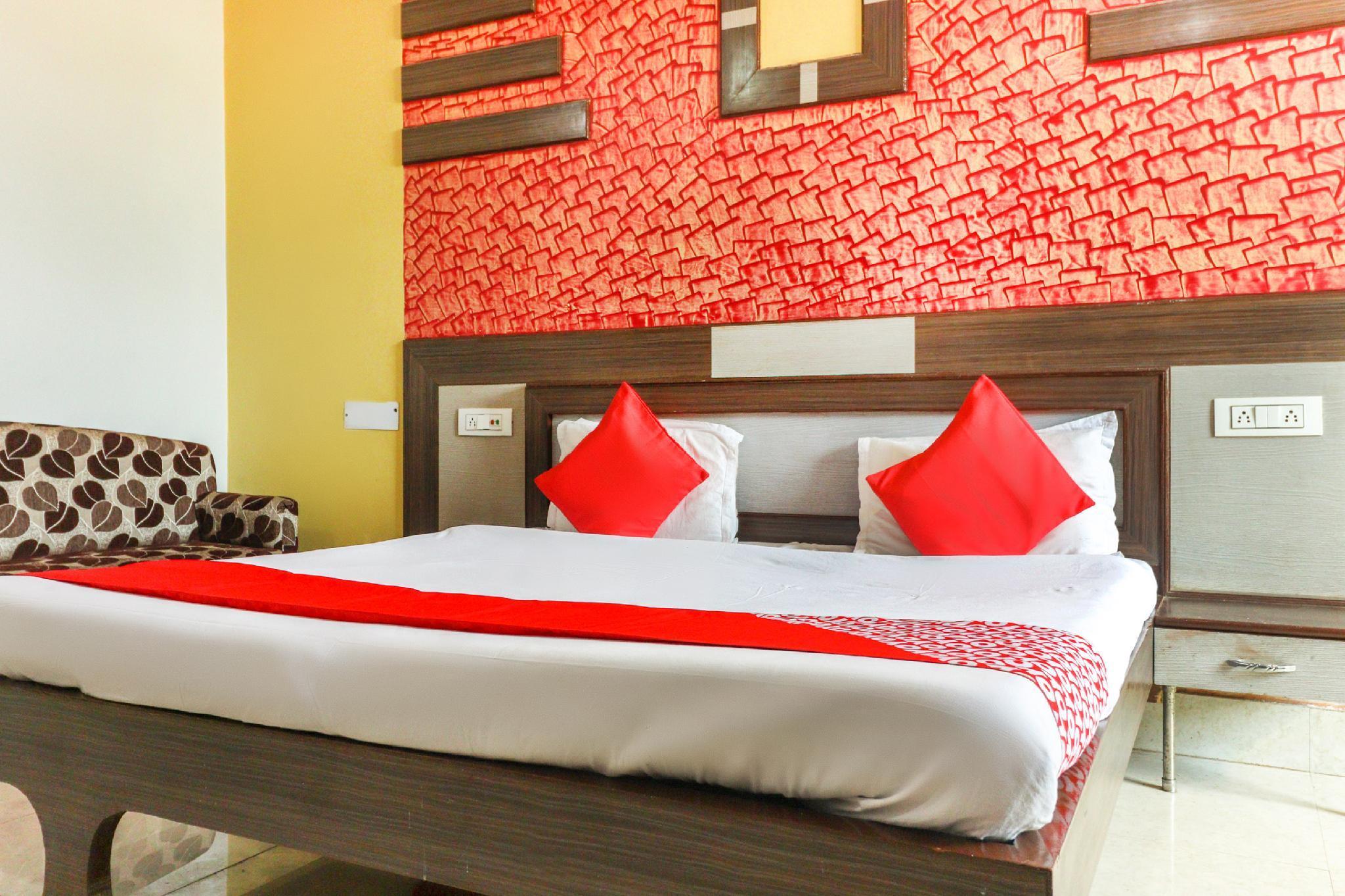 OYO 65467 Divyalok Resort, Sambhal