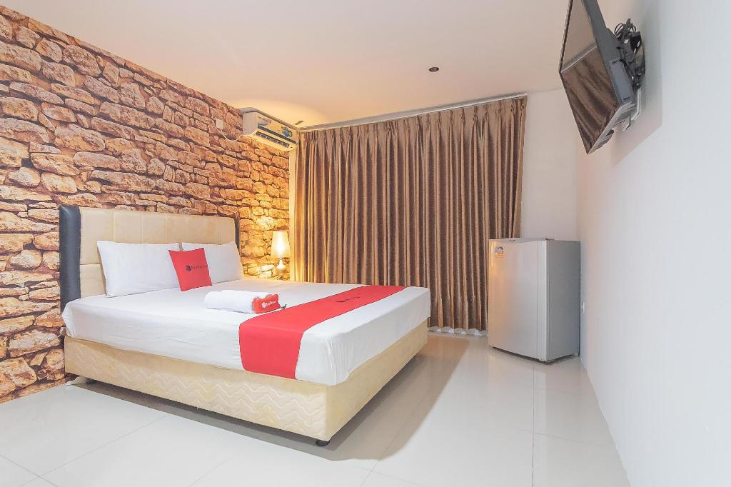 RedDoorz Plus near Sepinggan Airport 3