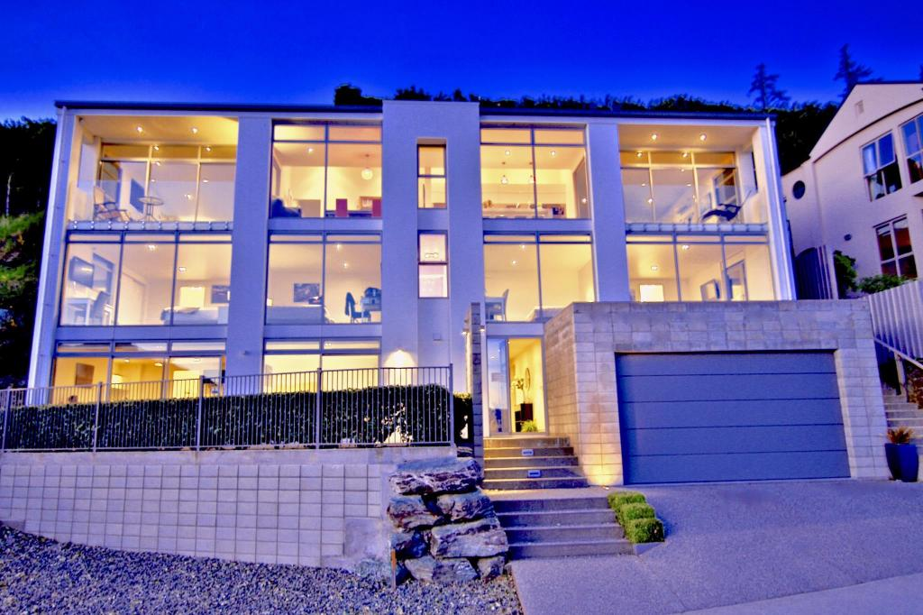 Best price on manor park lodge manor park lodge in for Panorama terrace queenstown