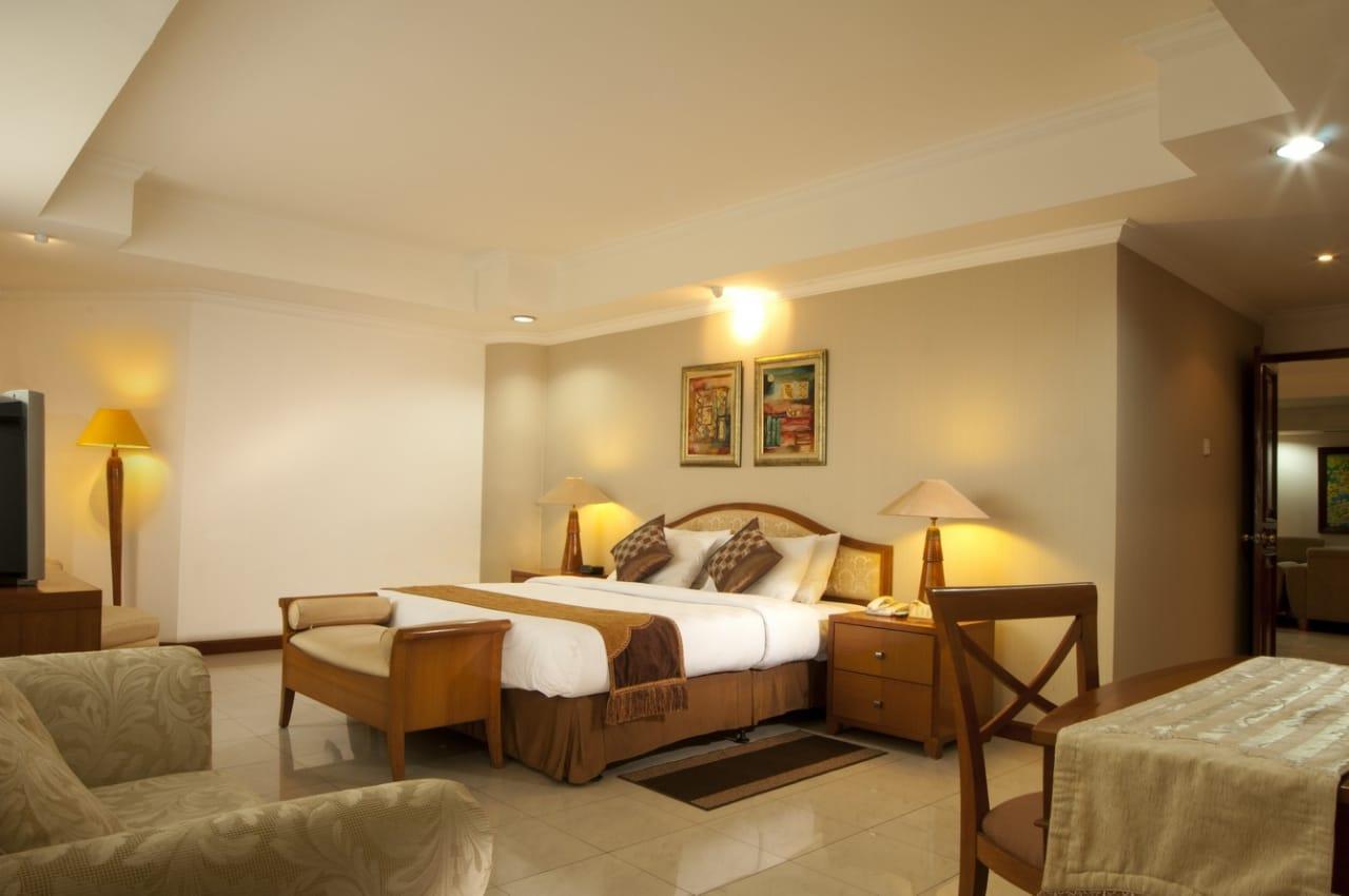 Grand Tropic Suites