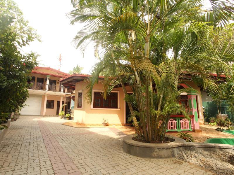 Villa Hoja, Hikkaduwa
