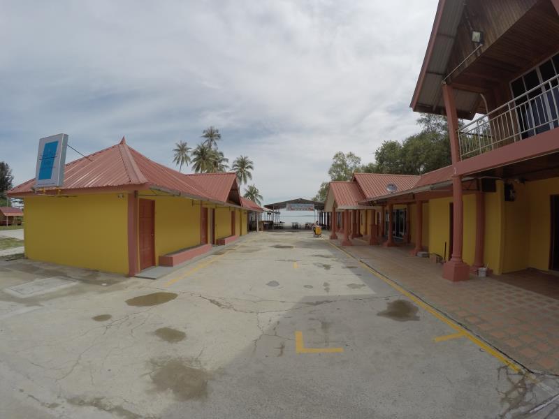 Summer Beach Lodge , Labuan