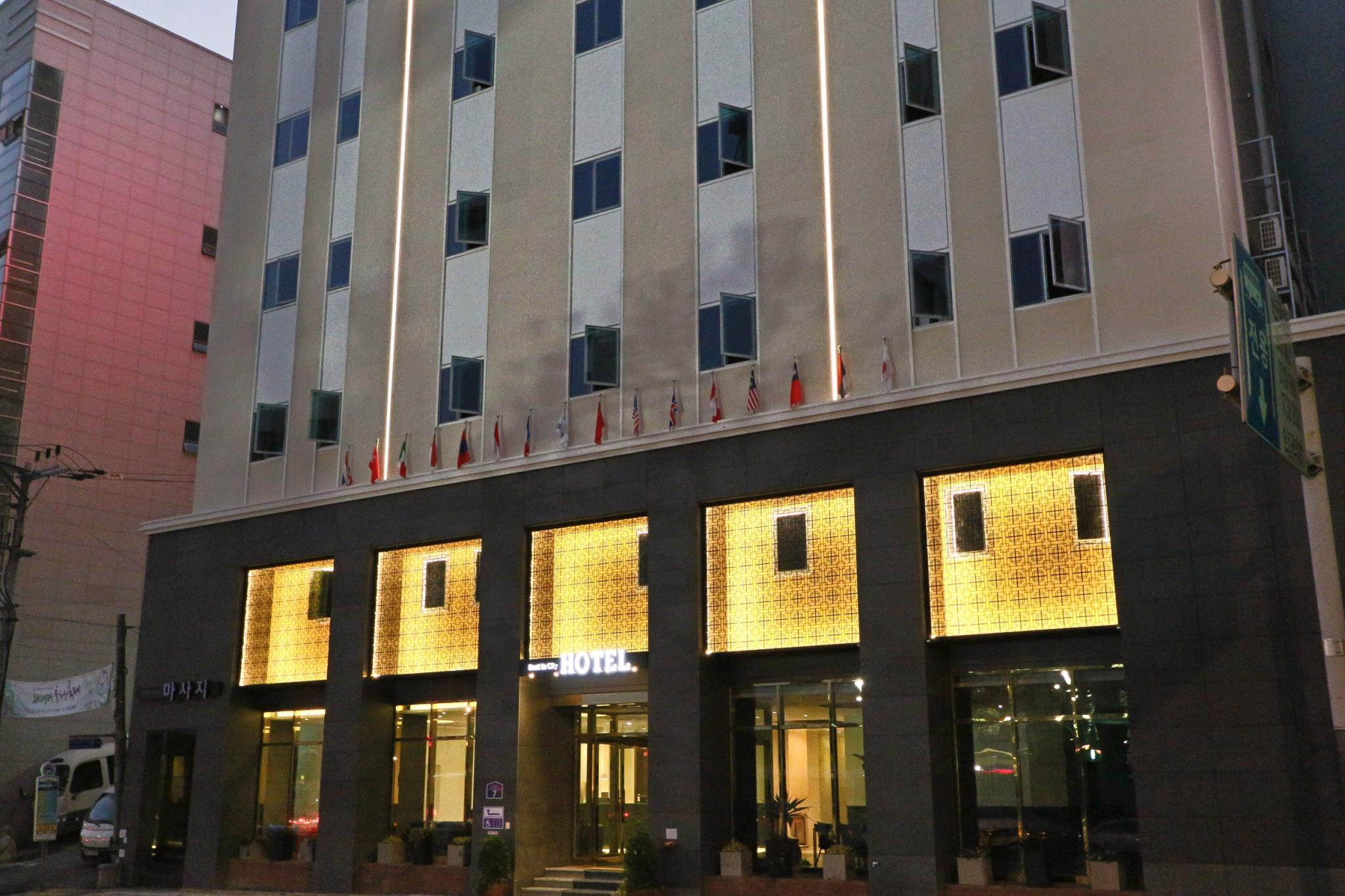 Best In City Hotel, Dong