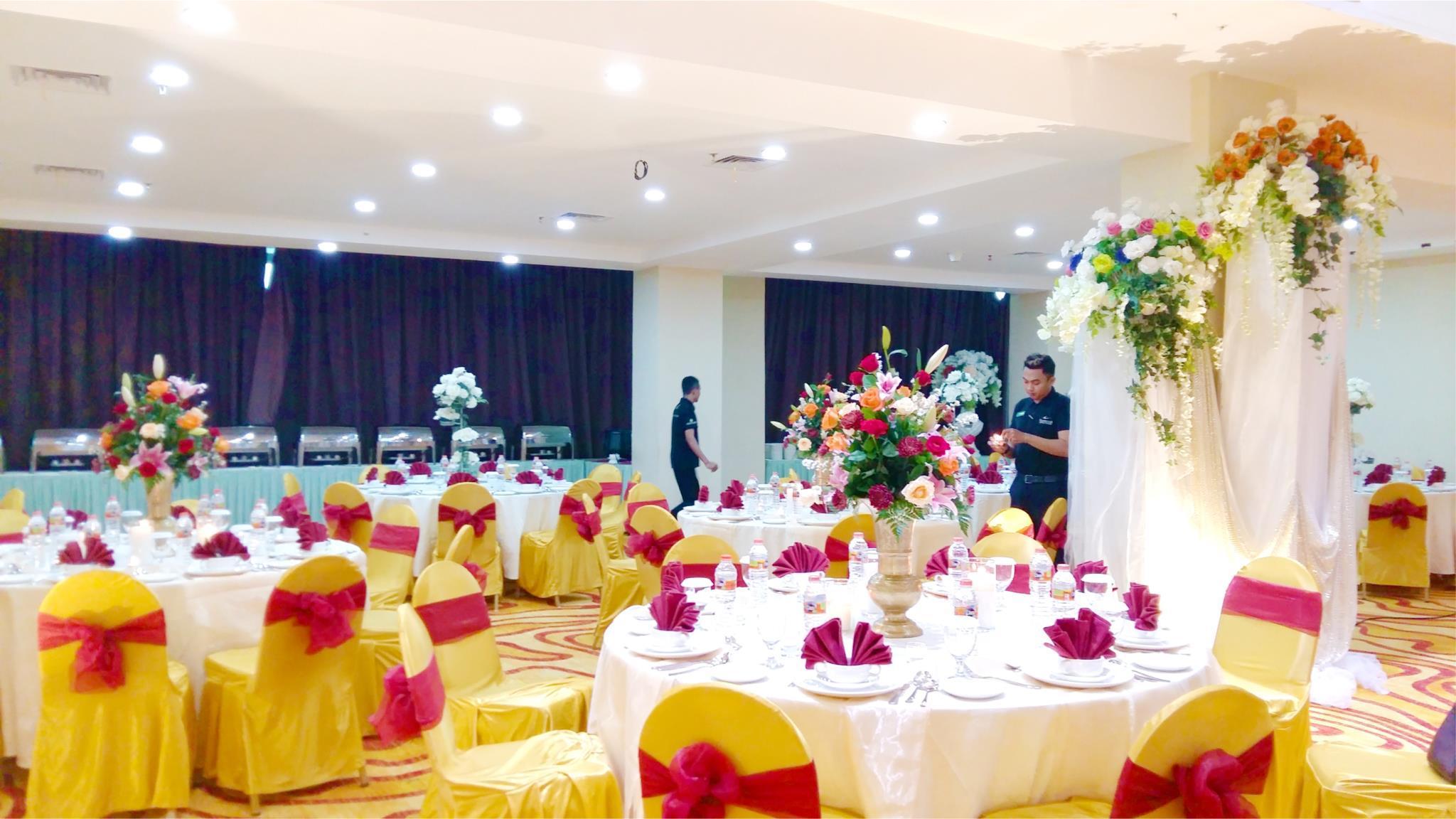 Travellers Hotel Phinisi Makassar