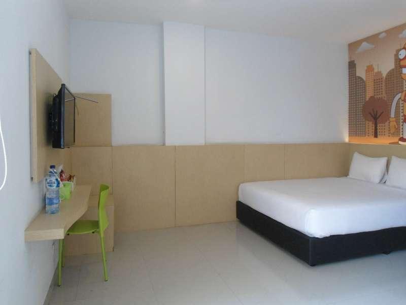 Robotel Hotel Makassar, Makassar