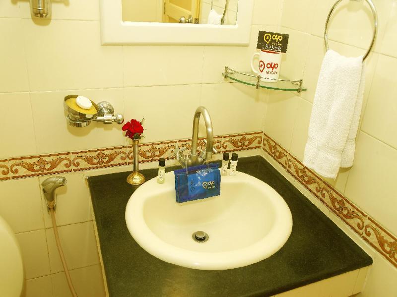 OYO Premium Gandhipuram Avinashi Road Hotel Coimbatore in India