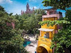 โมร็อกโฮม รีสอร์ท เกาะสีชัง (Moroc Home Resort Koh Sichang)