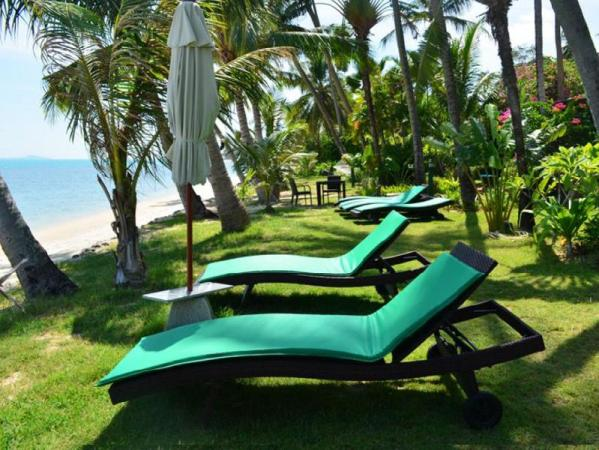 Green Coconut 2 Bedroom Beach Front Villa A7 Koh Samui