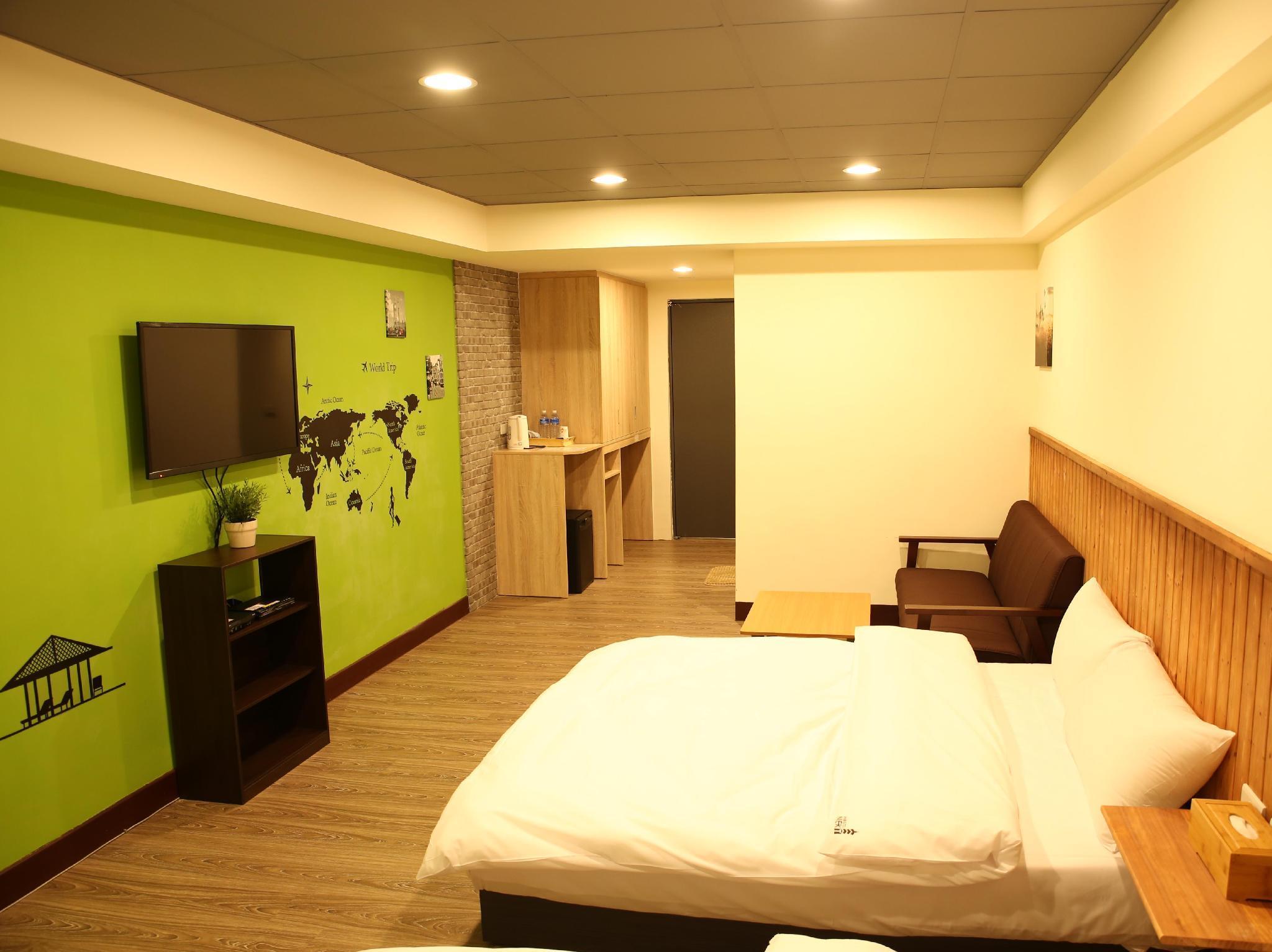 Best price on ximen 35 hotel in taipei reviews for Design ximen hotel agoda