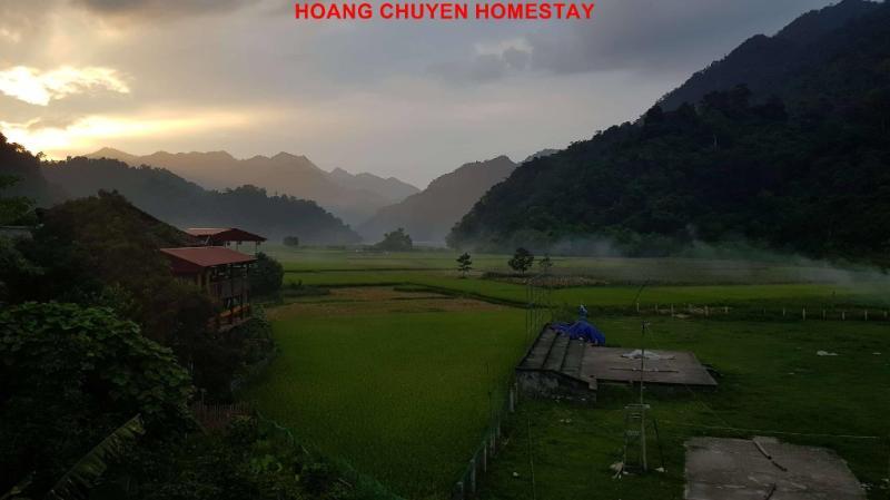 Nhà nghỉ Hoàng Chuyên