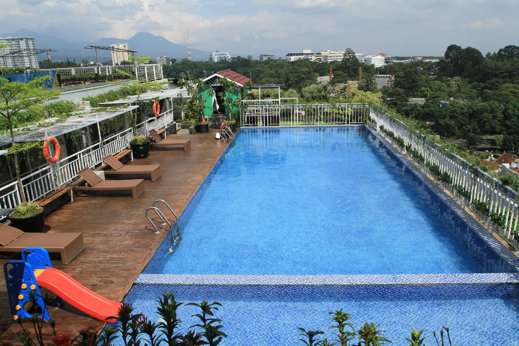 Grand Tjokro Bandung (Formerly H Clarity Cihampelas)