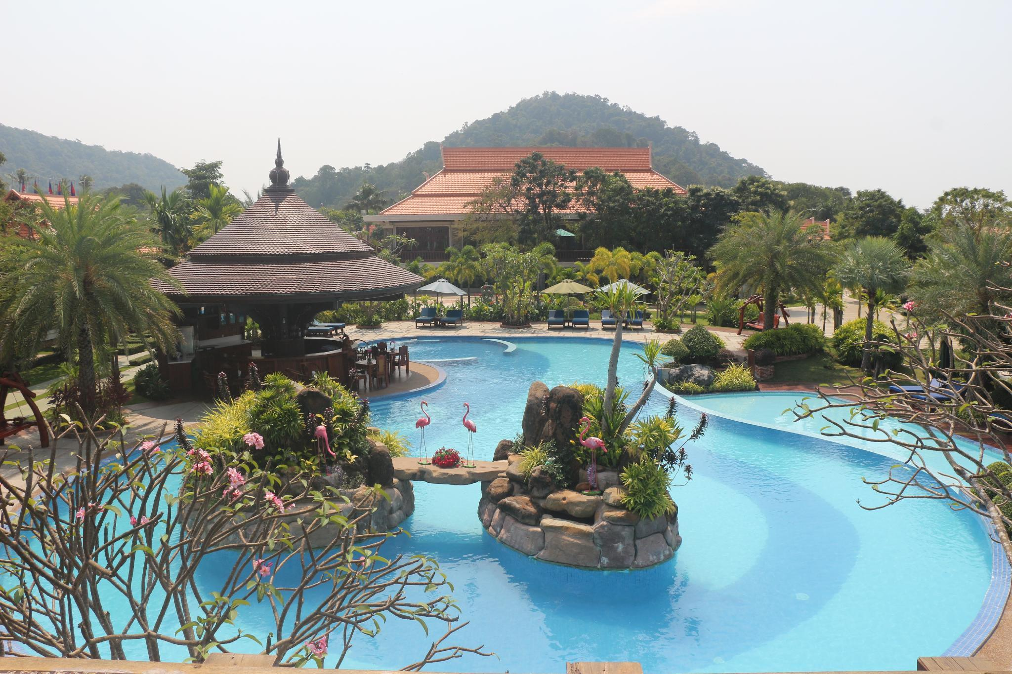 Try Palace Resort and Spa, Kaeb