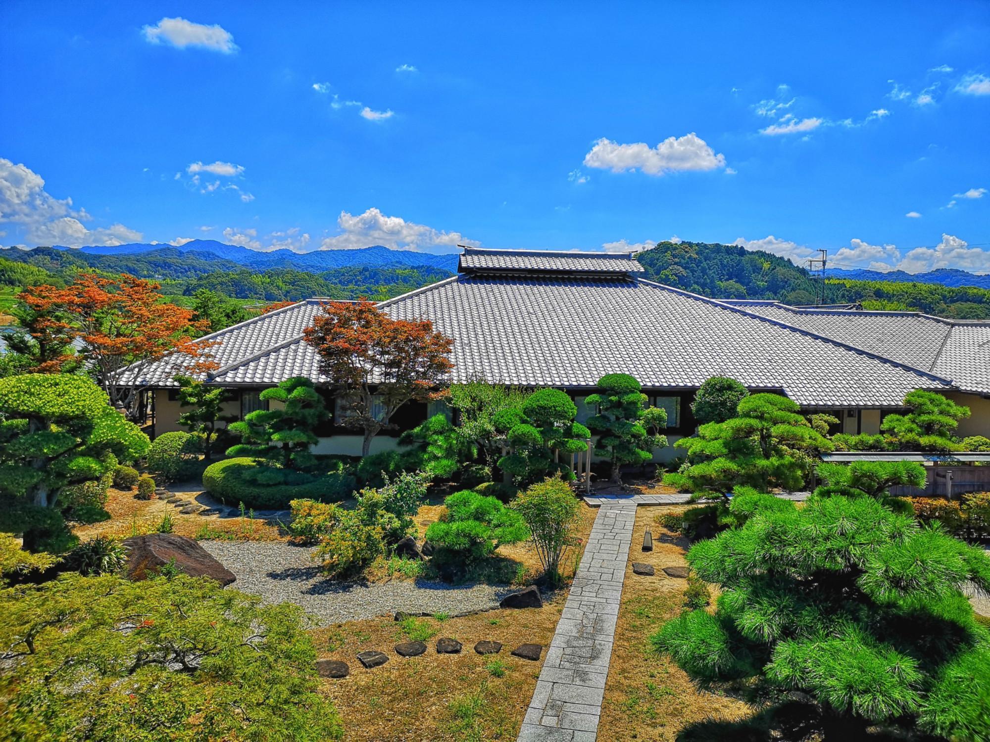 Pine Villa, Izumisano