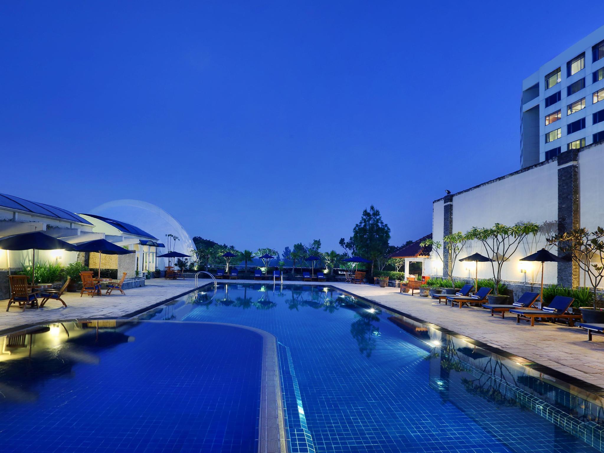 Aryaduta Bandung (Formerly Hyatt Regency Bandung)