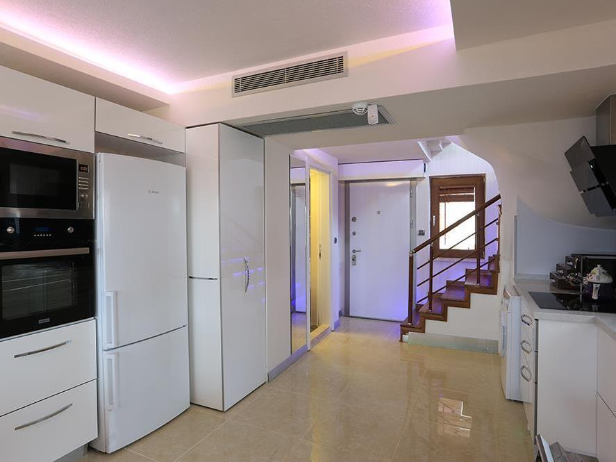 Shimal Residence Hotel, Ula