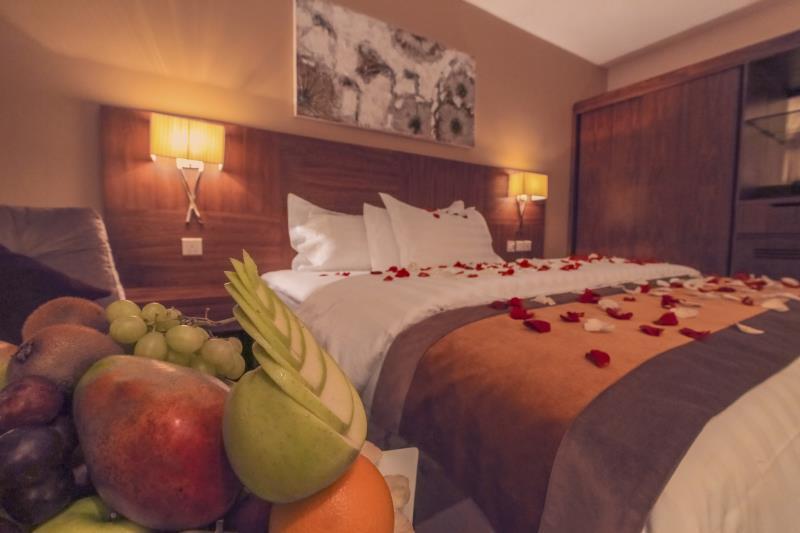 Nawaress Hotel,