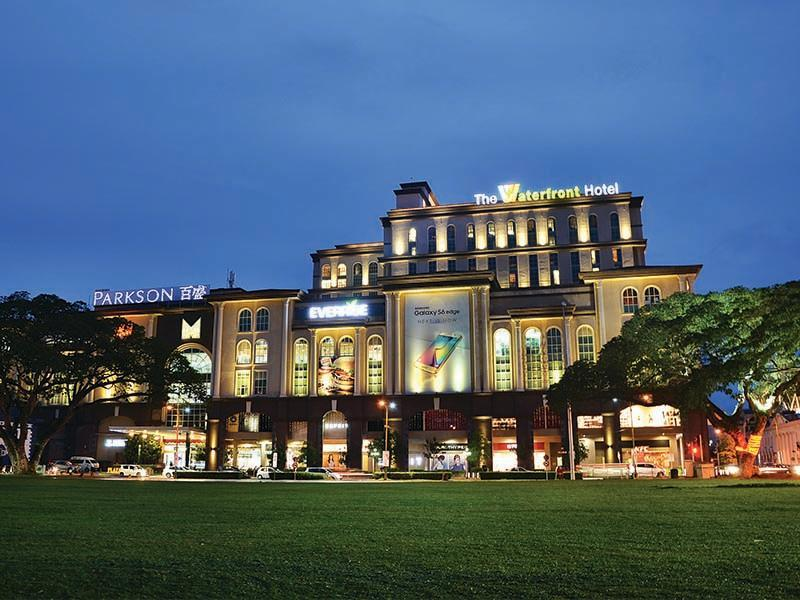 The Waterfront Hotel, Kuching