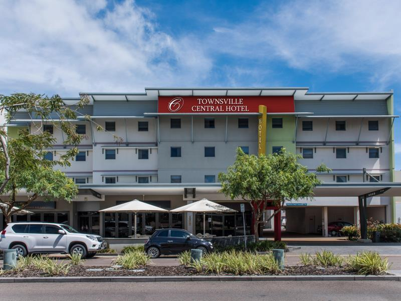 Townsville Central Hotel, South Townsville