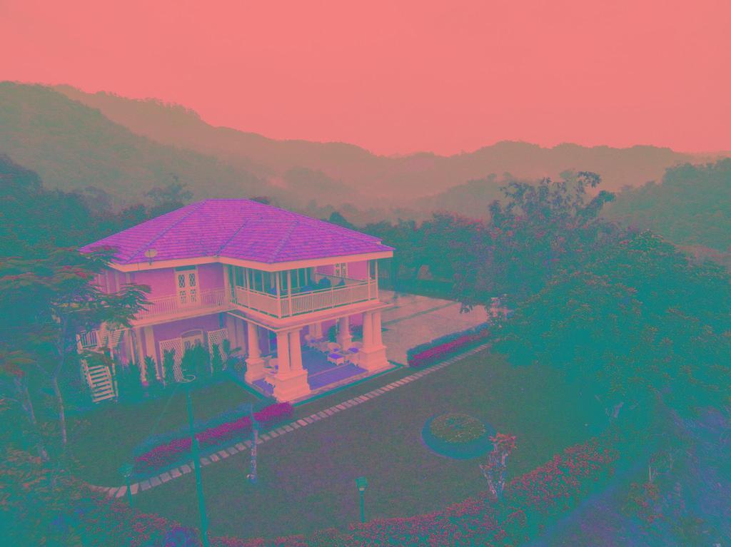 Botanica Mansion, Barat Daya