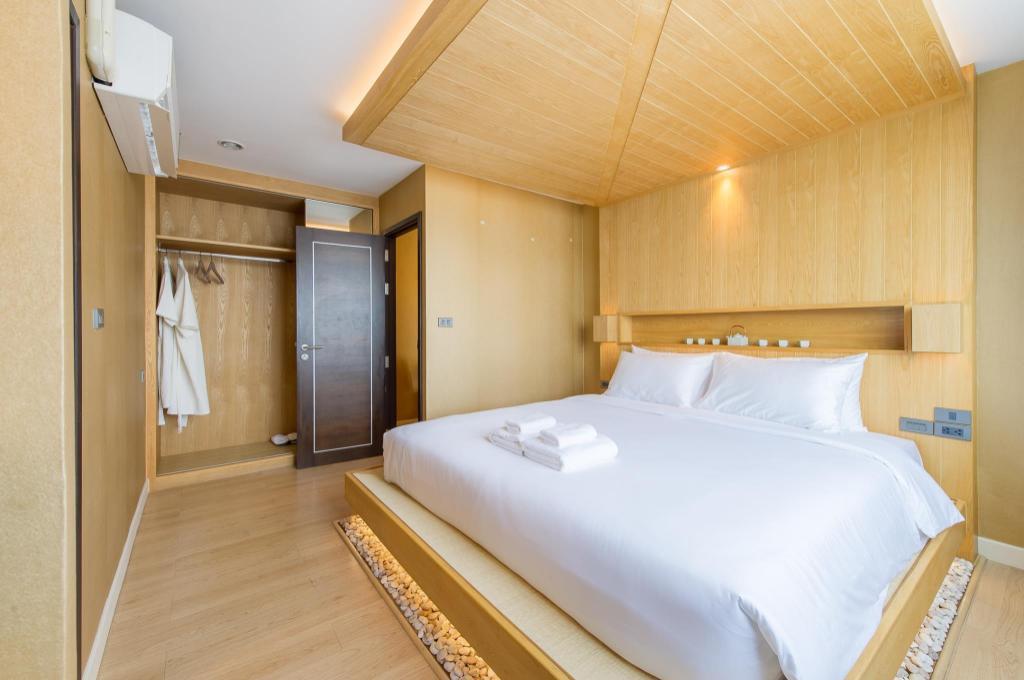アナンタラ バンコク リバーサイド リゾート アンド スパと同グレードのホテル3