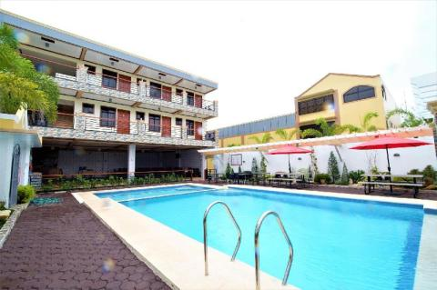 cheap accommodation in Tagaytay with pool