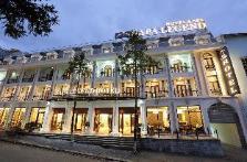 Khách sạn Huyền Thoại