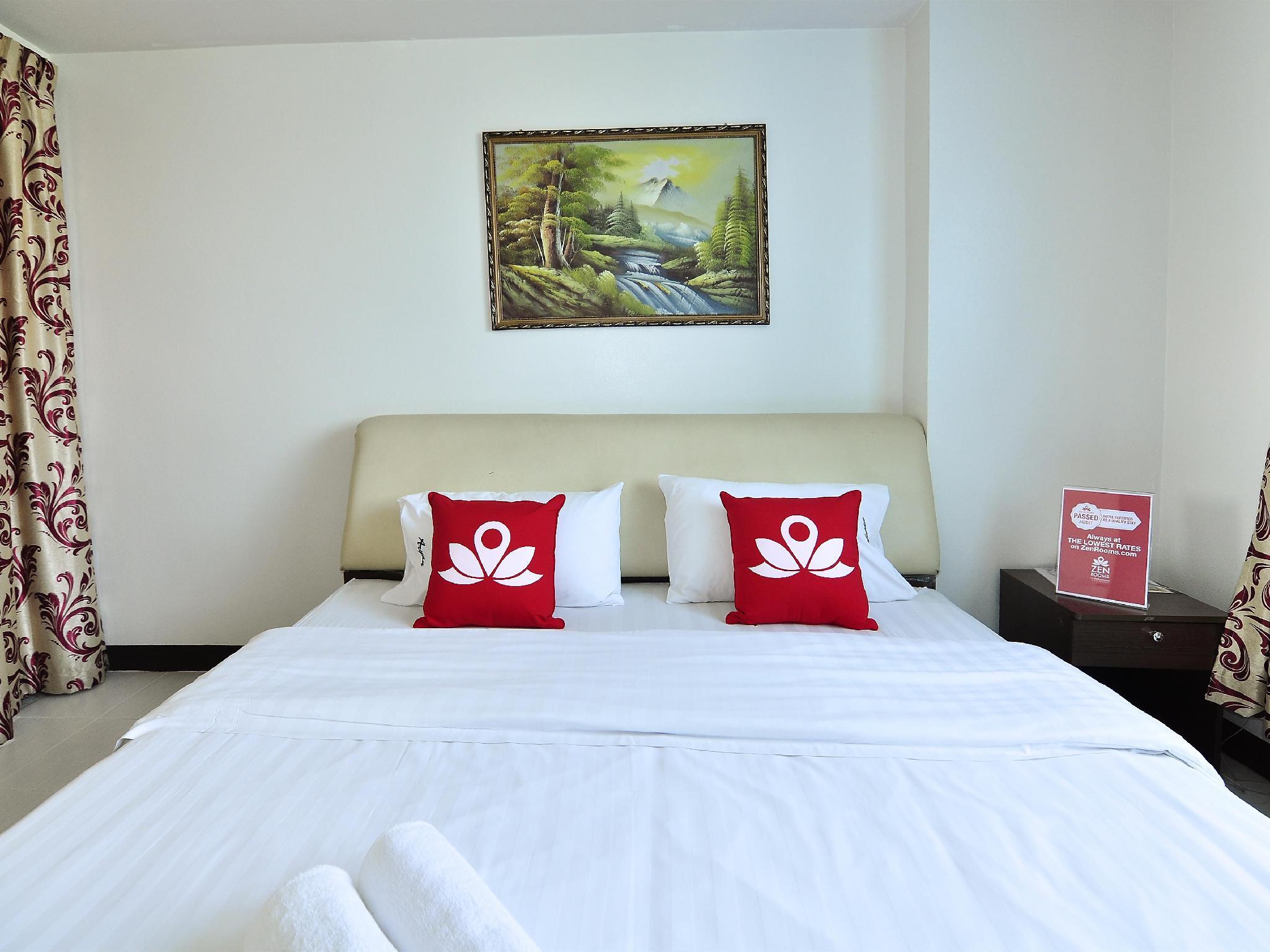 ZEN Rooms Aryan Suites, Din Dang