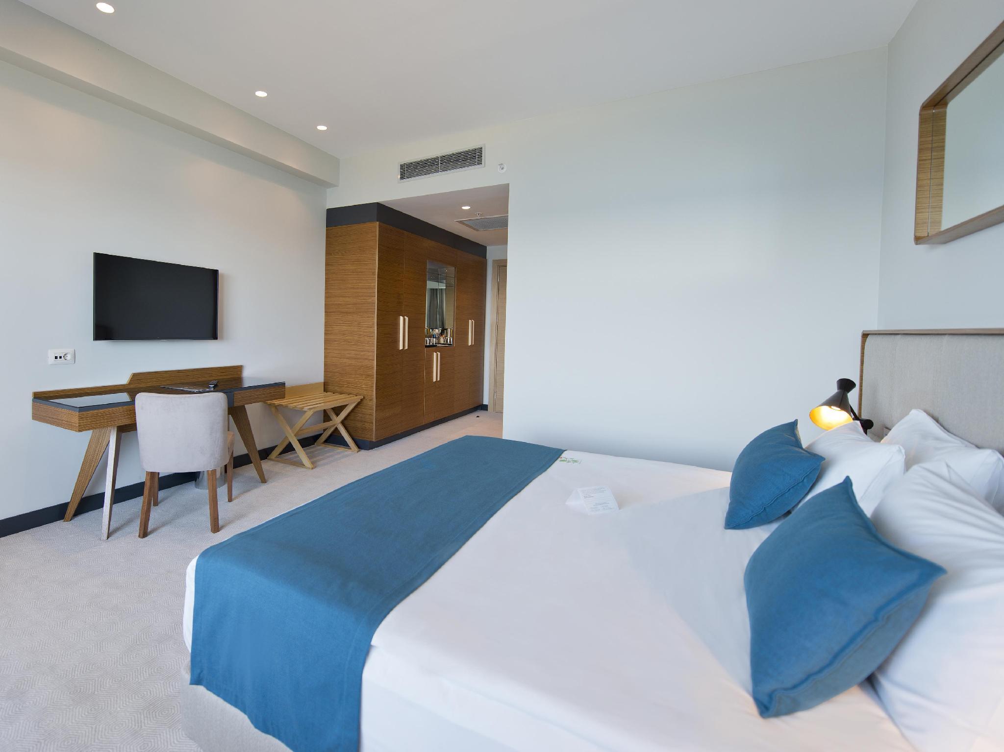 غرفة بسرير كينج (1 King Bed Room)